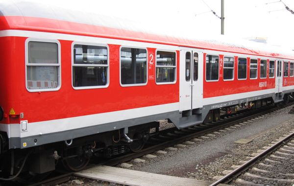 Passenger coach Bnrdz for regional transport. The coach disposes of a multi-functional area or a multi-purpose compartment for transport of bycicles or bulky luggage.